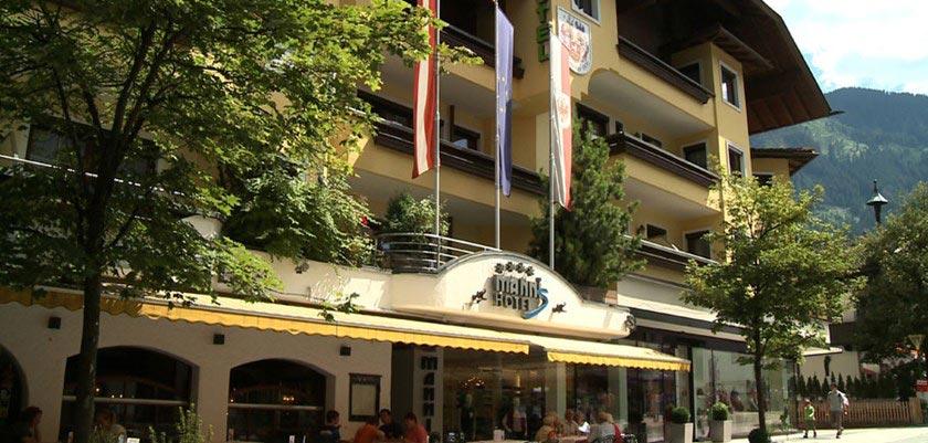 Sporthotel Manni's, Mayrhofen, Austria - Exterior from the street.jpg